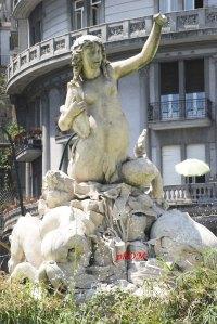 Partenope - Piazza Sannazzaro - Napoli